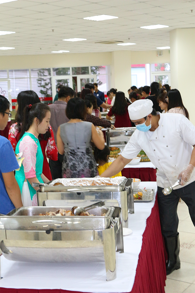 dịch vụ tiệc tất niên buffet May catering