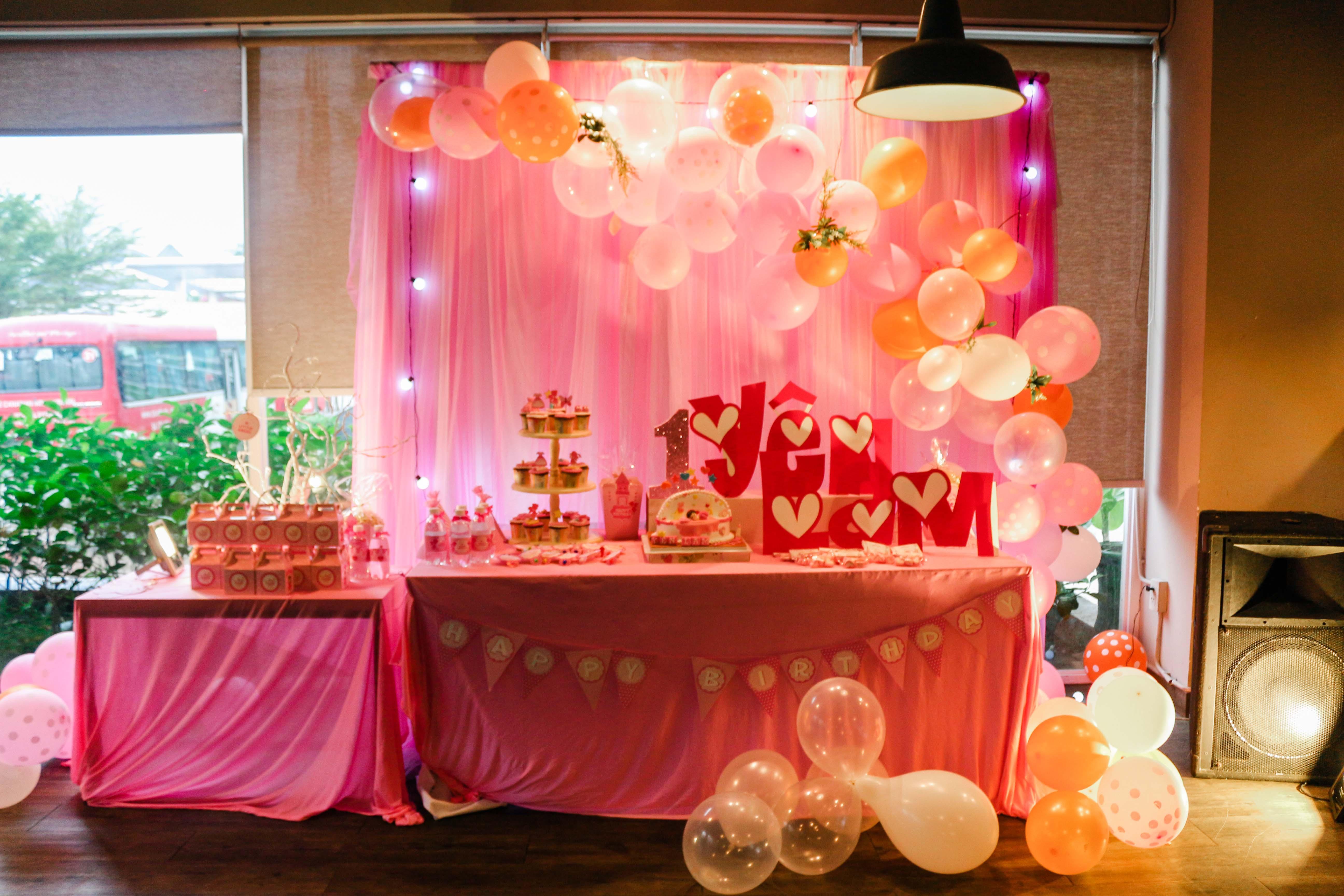 tiệc sinh nhật bé Bella